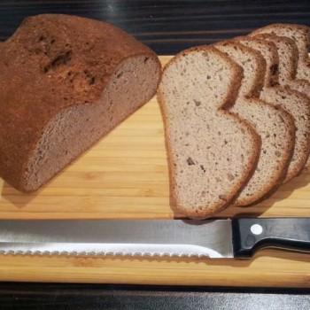 ... und dann lass es dir schmecken! Wir hoffen, dass dir unser glutenfreies Eiweissbrot schmeckt!