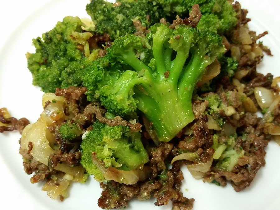 Brokkoli-Hackfleisch-Pfanne