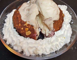 Pflaumenkuchen Zwetschgenkuchen lowcarb glutenfrei Zimteis Karamelleis zuckerfrei