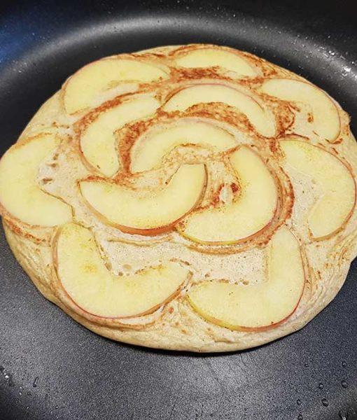 Pfannkuchen-Waffel-Teig-lowcarb-pancakes-glutenfrei-crepes-REZEPT-apfel