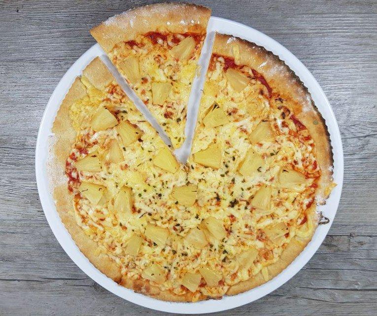 Rezept Steinofenpizza low carb glutenfrei - wie vom Italiener! - Dr ...