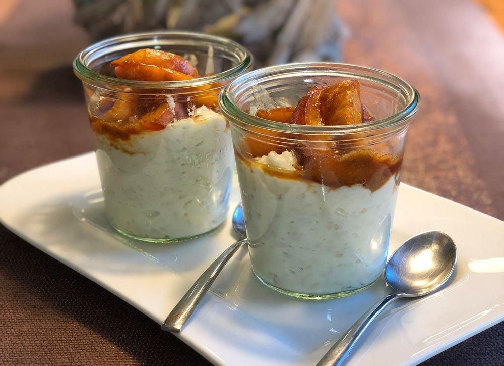 Rezept Milchreisdessert mit Joghurt und karamellisierten Pfirsichen