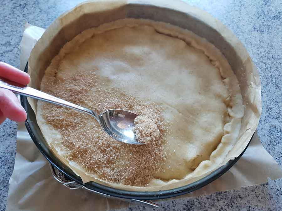 Rezept-Gedeckter-Apfelkuchen-low-carb-glutenfrei-mit-Karamellkruste-und-Mürbeteig