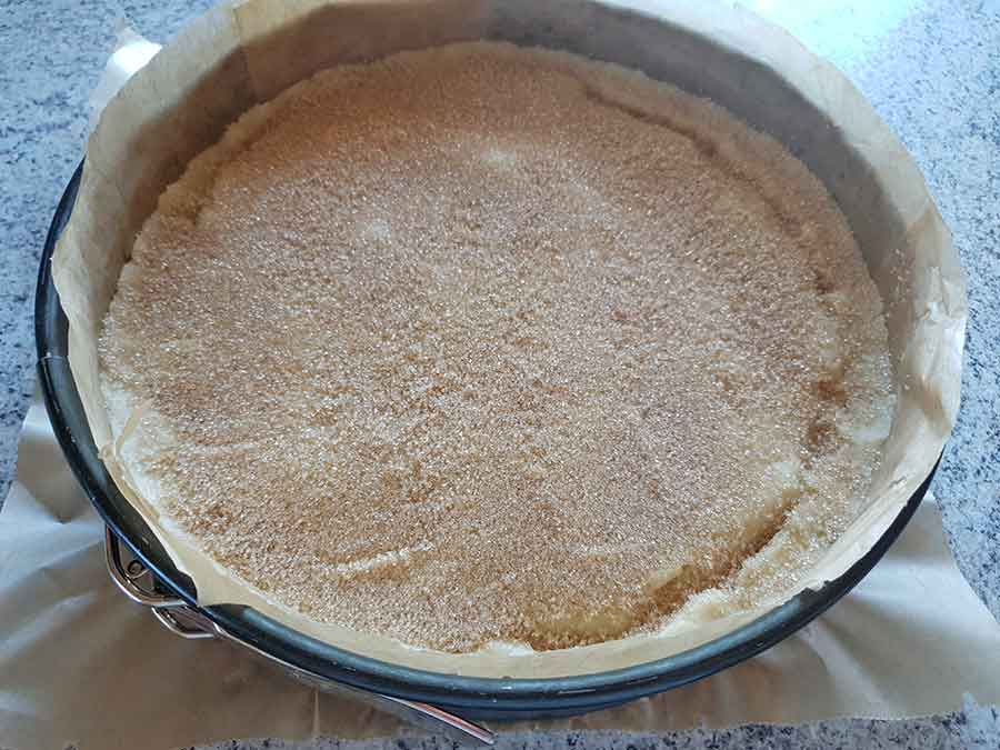 rezept gedeckter apfelkuchen low carb glutenfrei mit karamellkruste und m rbeteig dr almond. Black Bedroom Furniture Sets. Home Design Ideas