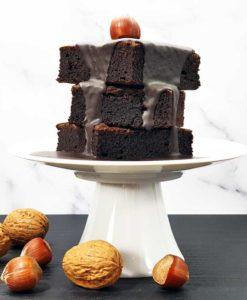 Schokoladenzauber-Schwarze-Sahne-zuckerfrei-low-carb-Schokolade-Pulver-keto-Guss-Brownie