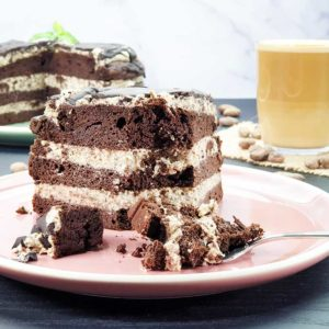 Low-Carb-Cookies-and-Cream-Torte-Browniezauber-Schokoladenkuchen
