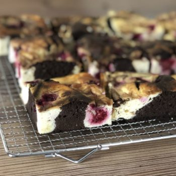 Rezept Cheesecake-Brownies mit Himbeeren lowcarb glutenfrei