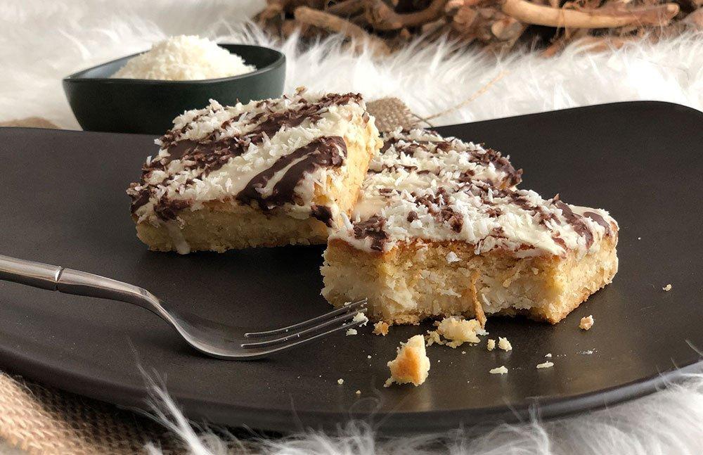 rezept kokosschnitten low carb glutenfrei dr almond lowcarb glutenfrei shop. Black Bedroom Furniture Sets. Home Design Ideas