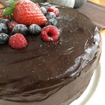 Rezept Schokoladentorte mit Erdbeer-Ricotta-Joghurt-Füllung lowcarb glutenfrei
