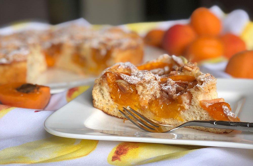 Rezept Aprikosen-Eierlikörkuchen mit Mandel-Karamell-Kruste lowcarb kalorienarm