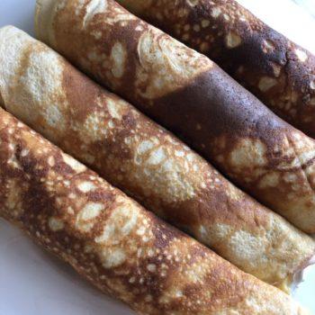 Rezept Herzhaft gefüllte Pfannkuchen-Röllchen mit Joghurt-Dip lowcarb glutenfrei
