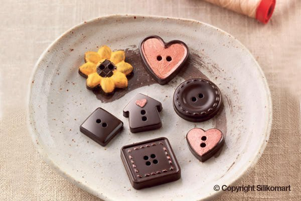 251-00_Silikomart SCG29 CHOCO BUTTONS Silikonform Pralinenform Knöpfe low carb Schokolade