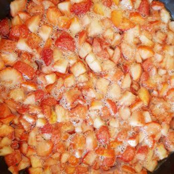 Rezept Erdbeercreme für Torten, Desserts, Eis, Fluff lowcarb glutenfrei