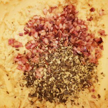 Rezept Kürbiskern Speck Brandteigkrapfen mit Paprikakraut lowcarb glutenfrei