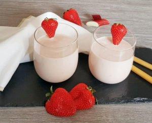 Rezept Erdbeer Rhababer Kollagenshake lowcarb glutenfrei