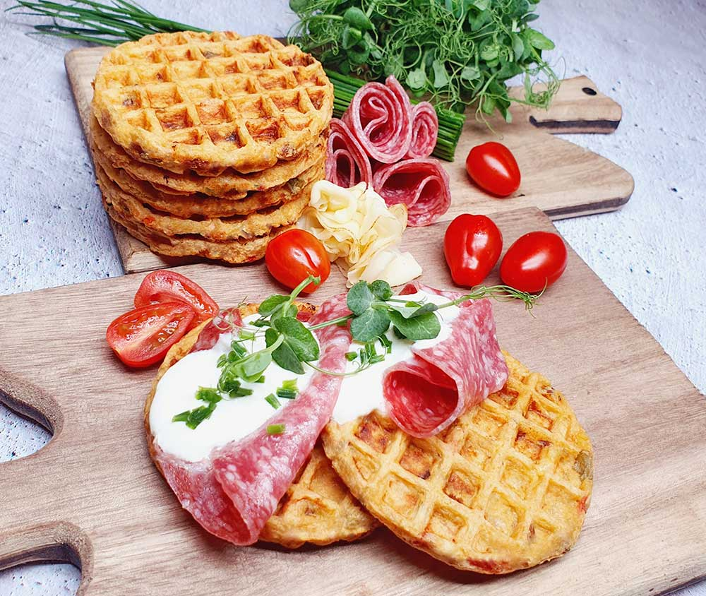 Rezept Hüttenkäse Salami Waffeln lowcarb glutenfrei keto