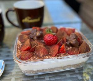 Rezept Erdbeer-Tiramisu-Kuchenbowl lowcarb glutenfrei